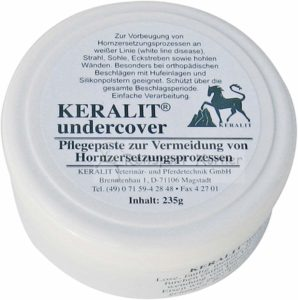 bestes-Mittel-gegen-Strahlfäule-Keralit-undercover-298x300
